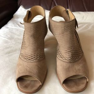 Paul Green Peep Toes Shoes Ankle Strap Zip Sz  7